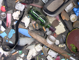 beach trash clutter